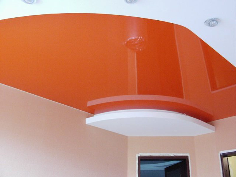 Двухуровневый натяжной потолок пример 1