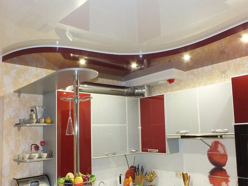 Натяжной потолок на кухне пример 1