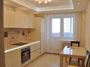 Натяжной потолок на кухне пример 13