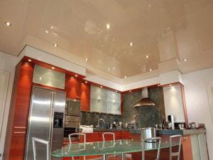 Натяжной потолок на кухне пример 7